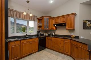 Photo 3: 904 25th Avenue in Vernon: South BX House for sale (North Okanagan)  : MLS®# 10092056