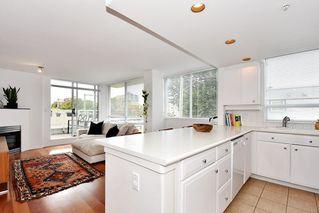 """Photo 13: 312 2255 W 4TH Avenue in Vancouver: Kitsilano Condo for sale in """"CAPER'S"""" (Vancouver West)  : MLS®# R2405890"""