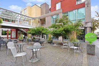 """Main Photo: 312 2255 W 4TH Avenue in Vancouver: Kitsilano Condo for sale in """"CAPER'S"""" (Vancouver West)  : MLS®# R2405890"""