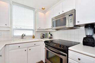 """Photo 12: 312 2255 W 4TH Avenue in Vancouver: Kitsilano Condo for sale in """"CAPER'S"""" (Vancouver West)  : MLS®# R2405890"""