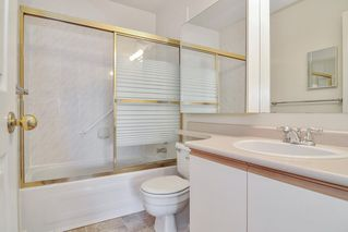 "Photo 9: 302 6440 197 Street in Langley: Willoughby Heights Condo for sale in ""THE KINGSWAY"" : MLS®# R2420735"