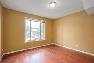 Photo 4: 415 52 Avenue SW in Calgary: Windsor Park Semi Detached for sale : MLS®# A1042308