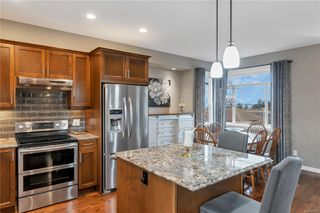 Photo 3: 3766 Valhalla Dr in : CR Willow Point House for sale (Campbell River)  : MLS®# 861735