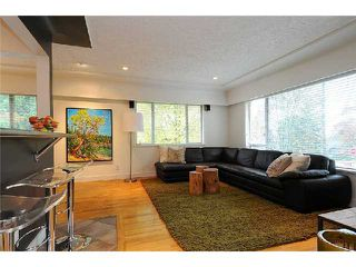 Photo 3: 202 E 27TH Street in North Vancouver: Upper Lonsdale House for sale : MLS®# V977921