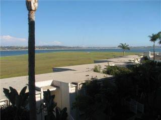 Photo 11: PACIFIC BEACH Condo for sale : 1 bedrooms : 4015 Crown Point Drive #203 in San Diego