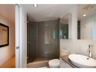 """Photo 17: 3810 128 W CORDOVA Street in Vancouver: Downtown VW Condo for sale in """"Woodwards W43"""" (Vancouver West)  : MLS®# V1076978"""