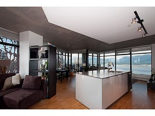 """Photo 2: 3810 128 W CORDOVA Street in Vancouver: Downtown VW Condo for sale in """"Woodwards W43"""" (Vancouver West)  : MLS®# V1076978"""
