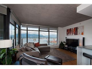 """Photo 4: 3810 128 W CORDOVA Street in Vancouver: Downtown VW Condo for sale in """"Woodwards W43"""" (Vancouver West)  : MLS®# V1076978"""