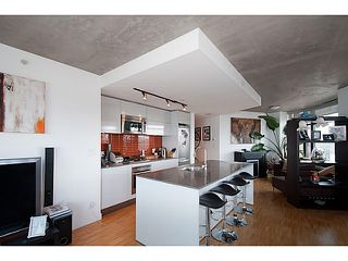 """Photo 10: 3810 128 W CORDOVA Street in Vancouver: Downtown VW Condo for sale in """"Woodwards W43"""" (Vancouver West)  : MLS®# V1076978"""