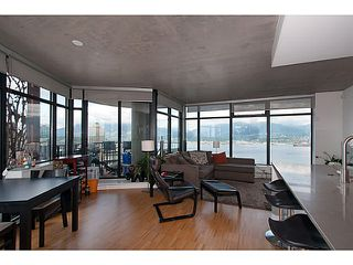 """Photo 3: 3810 128 W CORDOVA Street in Vancouver: Downtown VW Condo for sale in """"Woodwards W43"""" (Vancouver West)  : MLS®# V1076978"""