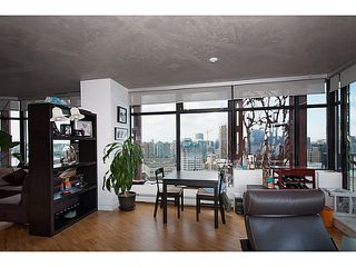 """Photo 6: 3810 128 W CORDOVA Street in Vancouver: Downtown VW Condo for sale in """"Woodwards W43"""" (Vancouver West)  : MLS®# V1076978"""