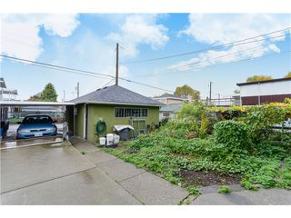 Photo 2: 4355 Nanaimo st in Vancouver: Collingwood VE House for sale (Vancouver East)  : MLS®# V1092613