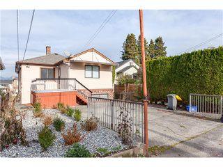 Photo 15: 3030 E 17th Av in Vancouver East: Renfrew Heights House for sale : MLS®# V1101377