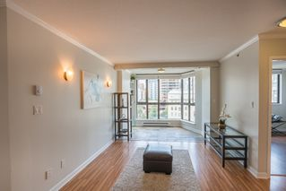 Photo 2: 906 488 HELMCKEN STREET in Vancouver: Yaletown Condo for sale (Vancouver West)  : MLS®# R2086319
