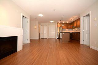Photo 5: 404 15735 CROYDON Drive in Surrey: Grandview Surrey Condo for sale (South Surrey White Rock)  : MLS®# R2425415