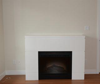 Photo 9: 404 15735 CROYDON Drive in Surrey: Grandview Surrey Condo for sale (South Surrey White Rock)  : MLS®# R2425415