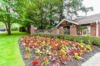 """Photo 38: 4 4055 INDIAN RIVER Drive in North Vancouver: Indian River Townhouse for sale in """"Winchester"""" : MLS®# R2473750"""