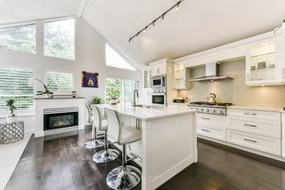 """Photo 1: 4 4055 INDIAN RIVER Drive in North Vancouver: Indian River Townhouse for sale in """"Winchester"""" : MLS®# R2473750"""