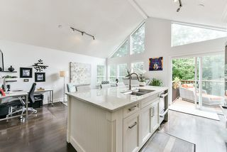 """Photo 14: 4 4055 INDIAN RIVER Drive in North Vancouver: Indian River Townhouse for sale in """"Winchester"""" : MLS®# R2473750"""
