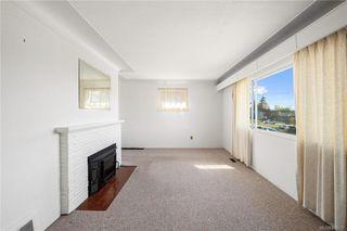 Photo 2: 291 Homer Rd in Saanich: SW Tillicum House for sale (Saanich West)  : MLS®# 843937