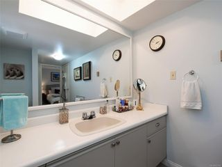 Photo 14: 5 1096 Stoba Lane in : SE Quadra Row/Townhouse for sale (Saanich East)  : MLS®# 851744