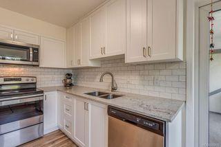 Photo 5: 307 2710 Grosvenor Rd in : Vi Oaklands Condo Apartment for sale (Victoria)  : MLS®# 855712