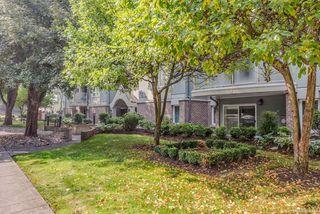 Photo 36: 307 2710 Grosvenor Rd in : Vi Oaklands Condo Apartment for sale (Victoria)  : MLS®# 855712
