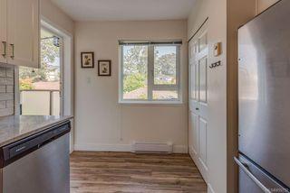 Photo 7: 307 2710 Grosvenor Rd in : Vi Oaklands Condo Apartment for sale (Victoria)  : MLS®# 855712