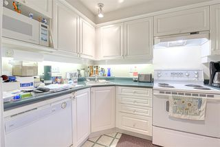 """Photo 13: 406 13780 76 Avenue in Surrey: East Newton Condo for sale in """"Earls Court"""" : MLS®# R2515734"""