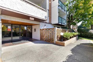 "Photo 3: 206 515 ELEVENTH Street in New Westminster: Uptown NW Condo for sale in ""Magnolia Manor"" : MLS®# R2518620"