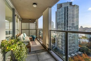 Photo 2: 1904 989 BEATTY STREET in Vancouver: Yaletown Condo for sale (Vancouver West)  : MLS®# R2514238