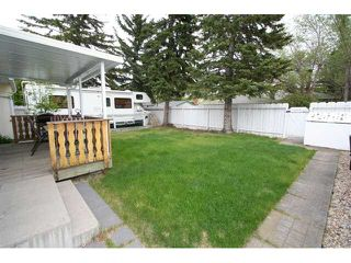 Photo 15: 12 BROWN Crescent NW in CALGARY: Brentwood Calg Residential Detached Single Family for sale (Calgary)  : MLS®# C3524303