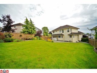 Photo 36: 6484 CLAYTONWOOD Gate in Surrey: Cloverdale BC House for sale (Cloverdale)  : MLS®# F1214656