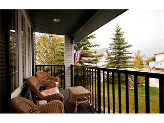 Photo 2: 26 WEST HALL Place: Cochrane Residential Detached Single Family for sale : MLS®# C3540742