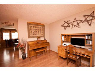 Photo 4: 26 WEST HALL Place: Cochrane Residential Detached Single Family for sale : MLS®# C3540742