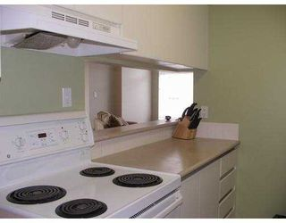 """Photo 6: 305 720 CARNARVON ST in New Westminster: Downtown NW Condo for sale in """"CARNARVON TOWERS"""" : MLS®# V590167"""
