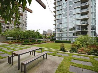 Photo 10: 703 1333 W 11TH Avenue in VANCOUVER: Fairview VW Condo for sale (Vancouver West)  : MLS®# V971816
