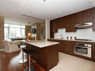 Photo 4: 703 1333 W 11TH Avenue in VANCOUVER: Fairview VW Condo for sale (Vancouver West)  : MLS®# V971816