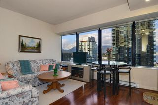 Photo 3: 704 1333 W GEORGIA Street in Vancouver: Coal Harbour Condo for sale (Vancouver West)  : MLS®# V995092