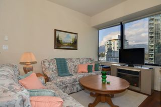 Photo 2: 704 1333 W GEORGIA Street in Vancouver: Coal Harbour Condo for sale (Vancouver West)  : MLS®# V995092