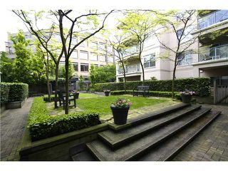 "Photo 3: # 307 511 W 7TH AV in Vancouver: Fairview VW Condo for sale in ""Beverly Gardens"" (Vancouver West)  : MLS®# V967522"
