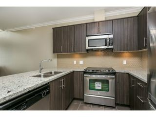 """Photo 4: 313 6888 ROYAL OAK Avenue in Burnaby: Metrotown Condo for sale in """"KABANA"""" (Burnaby South)  : MLS®# V1028081"""