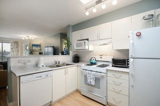 Photo 2: #411-688 East 16th Avenue in Vancouver: Fraser VE Condo for sale (Vancouver East)  : MLS®# V1043109