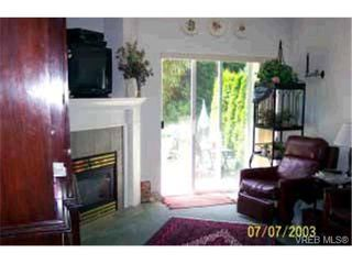 Photo 5: 10 3633 Cedar Hill Road in VICTORIA: SE Cedar Hill Townhouse for sale (Saanich East)  : MLS®# 179075