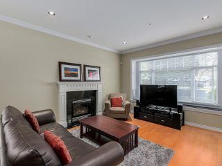 Photo 2: 782 W 69TH AVENUE in Vancouver: Marpole 1/2 Duplex for sale (Vancouver West)  : MLS®# R2052954