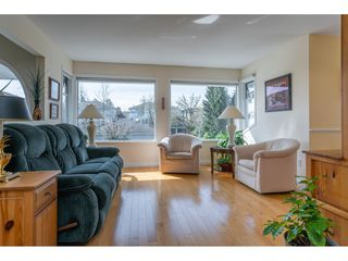 Photo 2: 16- 16363 85 Ave in Surrey: fleetwood Townhouse for sale : MLS®# R2355197