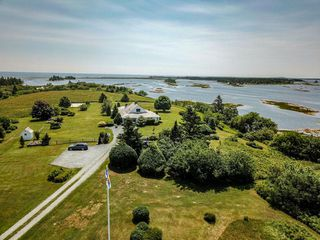Photo 5: 346 Smith Road in Voglers Cove: 405-Lunenburg County Residential for sale (South Shore)  : MLS®# 201924928