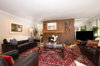 """Photo 2: 606 235 KEITH Road in West Vancouver: Cedardale Townhouse for sale in """"Spuraway Gardens"""" : MLS®# R2439356"""