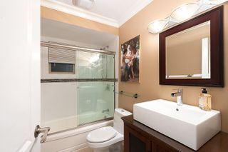 """Photo 13: 606 235 KEITH Road in West Vancouver: Cedardale Townhouse for sale in """"Spuraway Gardens"""" : MLS®# R2439356"""