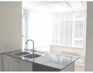 """Photo 4: 506 480 ROBSON ST in Vancouver: Downtown VW Condo for sale in """"R & R"""" (Vancouver West)  : MLS®# V588068"""